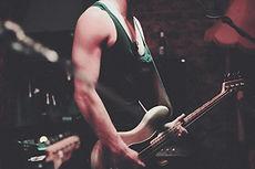 homme à la guitare