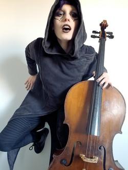 CelloDoll.Cello2