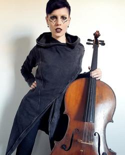 CelloDoll.Cello1