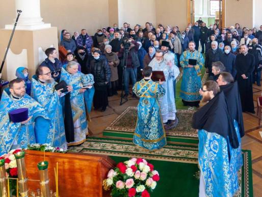 В Александро-Невской церкви Александро-Невской Лавры совершена первая в новейшее время литургия