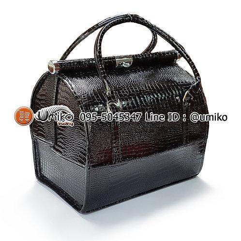 กระเป๋าหนังลายใบใหญ่สีดำ