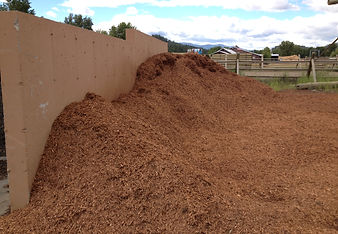 Light brown colored mulch