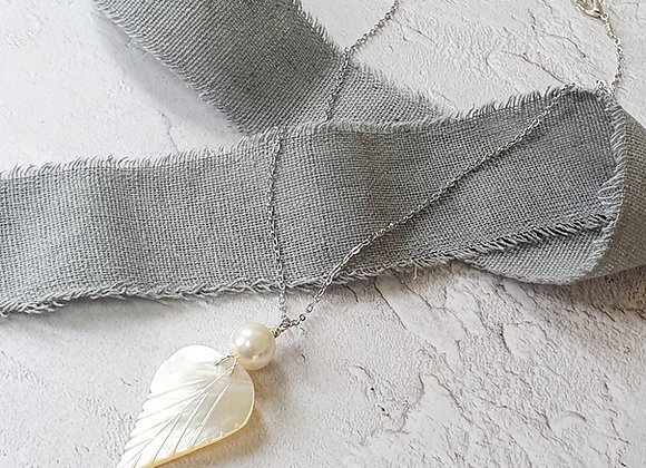 Mother of pearl leaf pendant necklace