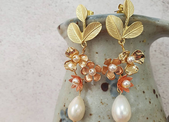All golds floral earrings