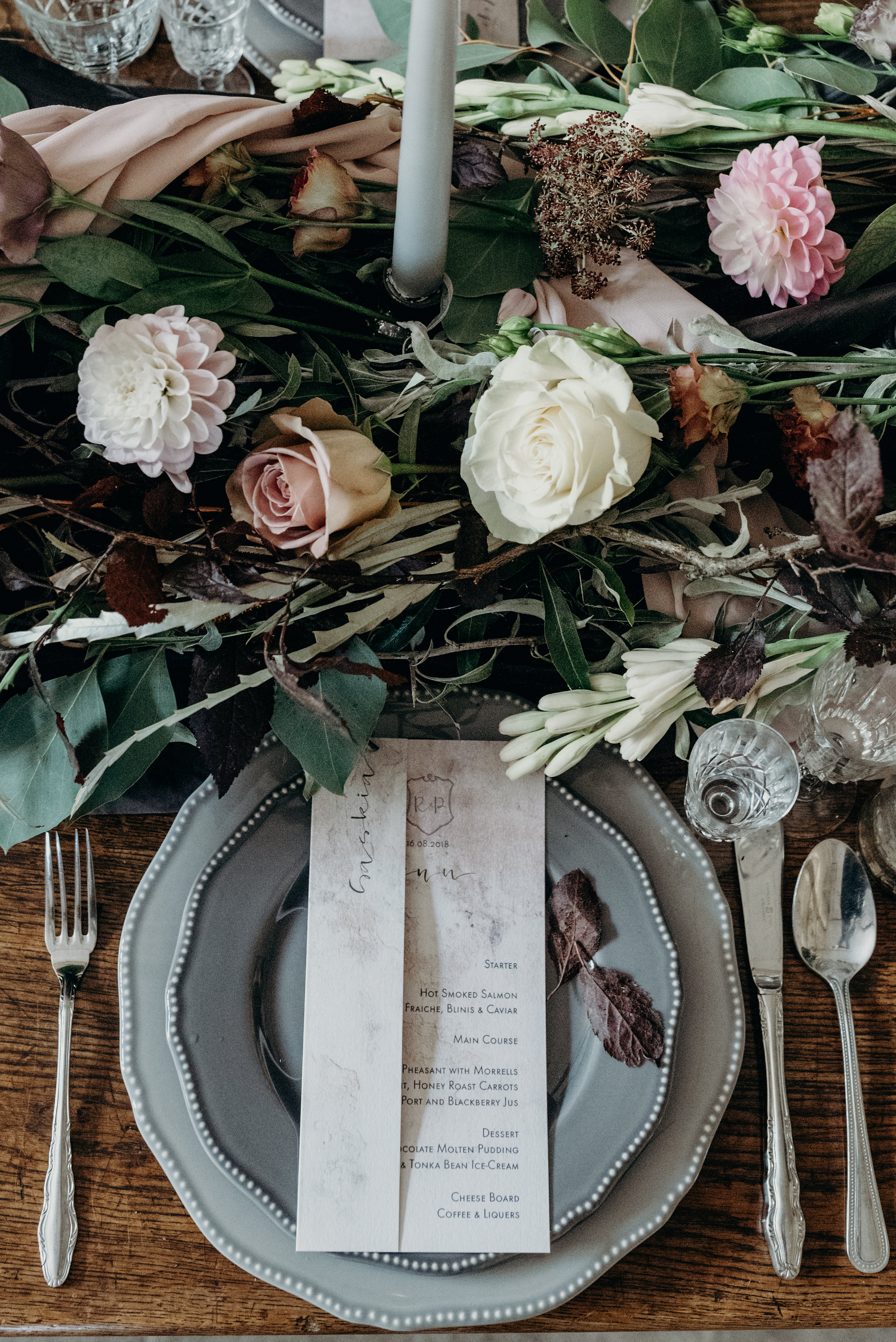 Vintage Lux wedding table styling