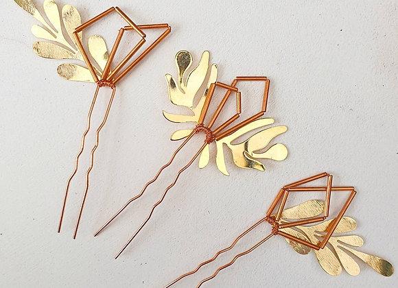 Geometric leaf pins