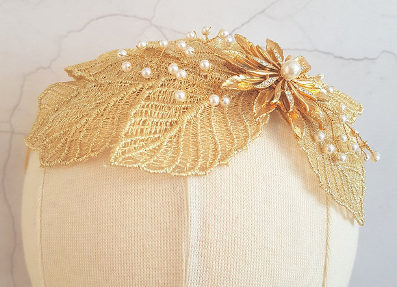 Gold lace leaf band with vintage detail