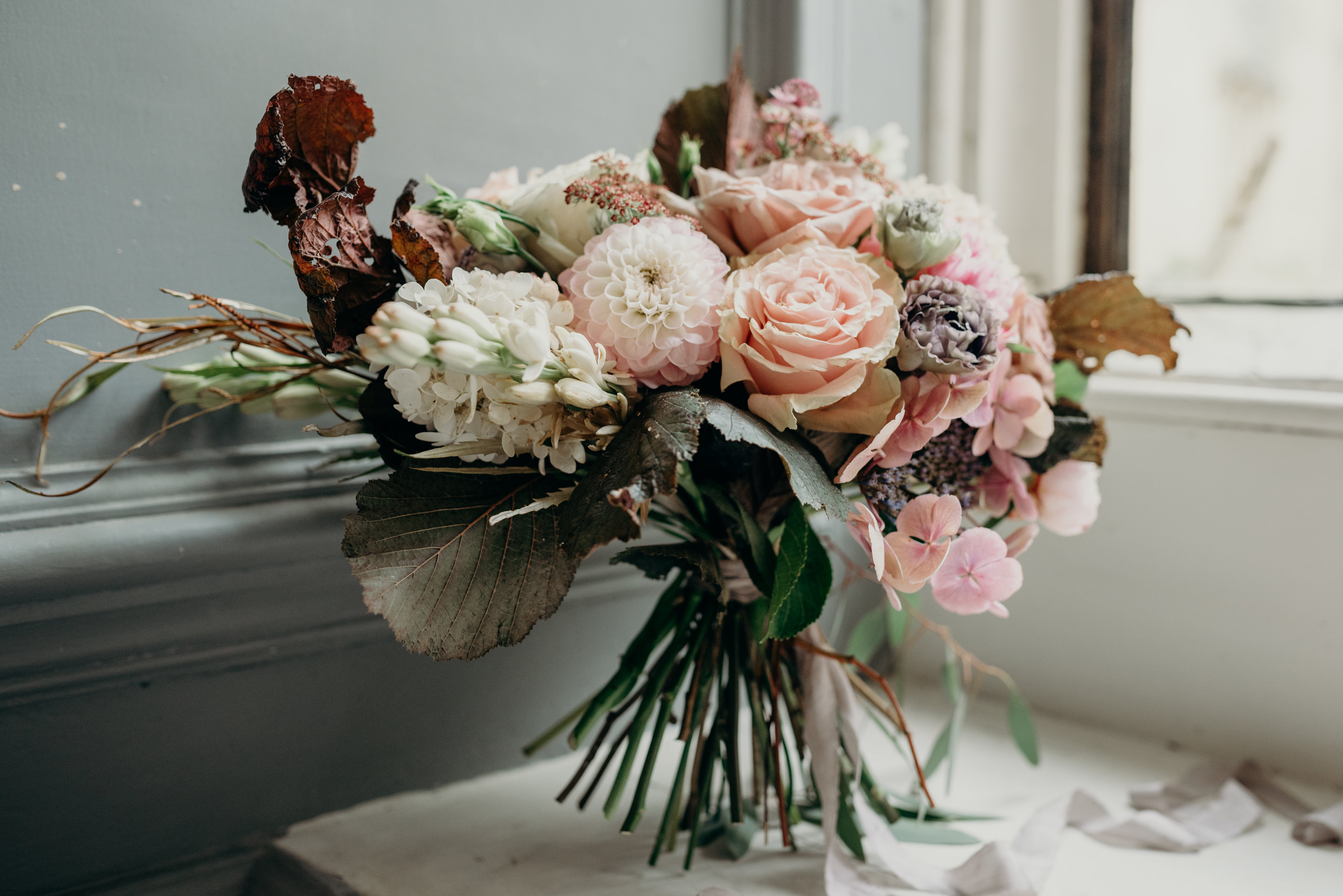 Vintage Lux wedding flowers