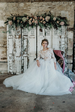 Vintage Lux wedding setting styling
