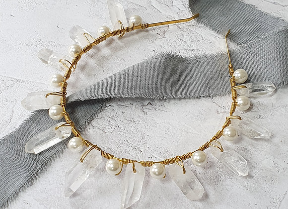Quartz and oversized pearl crown