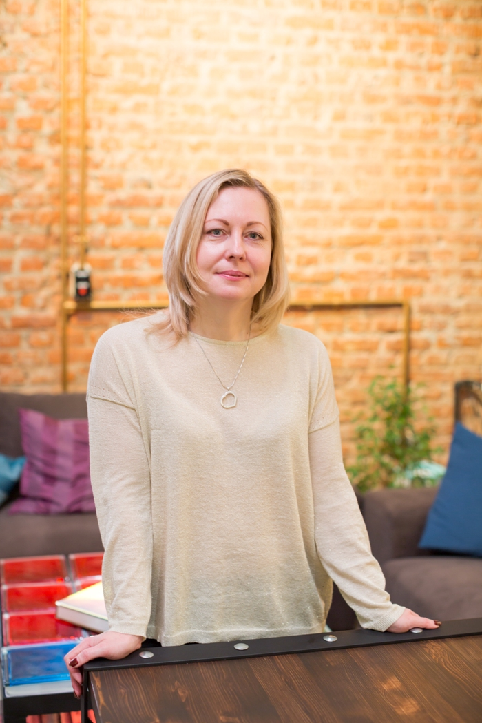 Елена Бокова