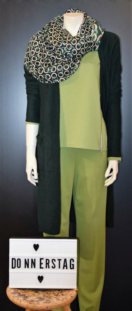 Art.Nr: 13128 Street One Strickmantel €69,99  Art.Nr: 01060 Betty Barclay Sweater €69,95  Art.Nr: 51032 Mekstone Hose €79,95