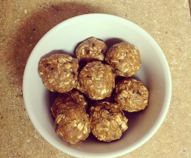 No Bake Peanut Butter and Chocolate Protein Bites
