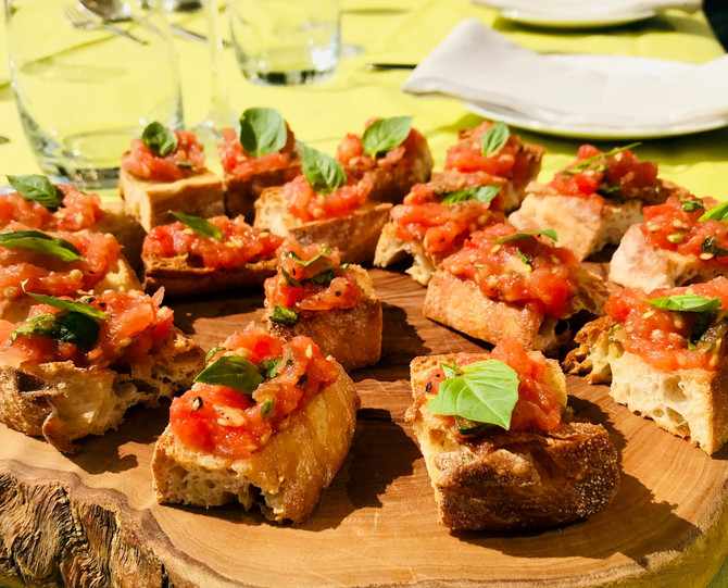 Rich Tomato Bruschetta