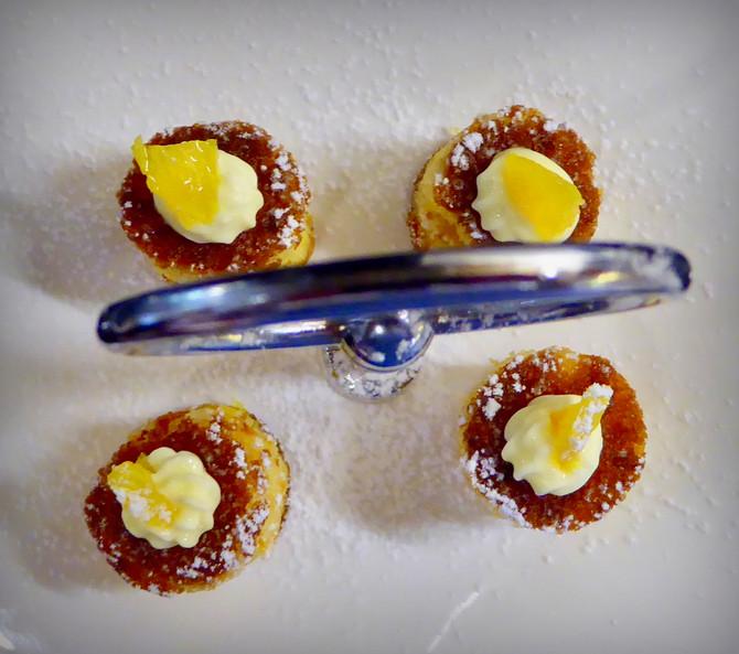 Mini orange and almond cakes
