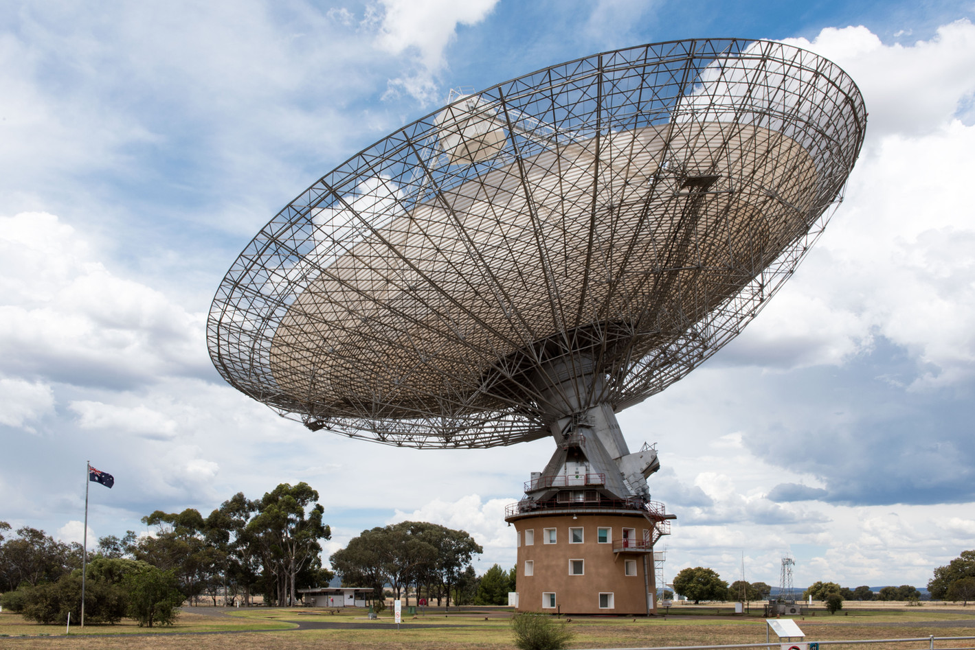 michael_bucknell_Parkes_NSW_telescope_20