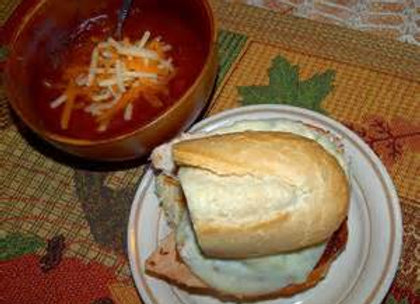 HALF SANDWICH AND CHILI COMBO