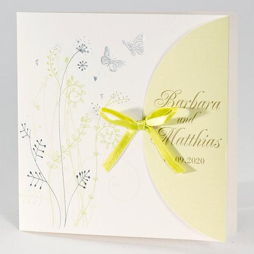 Elegante Hochzeitskarte mit Schmetterlingen und grünen Akzenten – Büromac