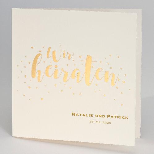 """Büttenkarte mit Schriftzug """"Wir heiraten"""" in Gold – Büromac"""