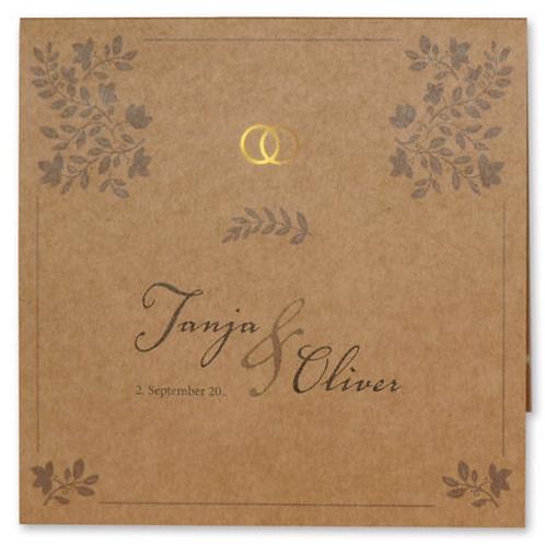Hochzeitseinladung auf Kraftpapier mit einzelnen Zweigen – Fenzl