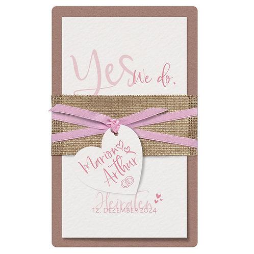 Stilvolle Hochzeitskarte mit Herzanhänger – Belarto