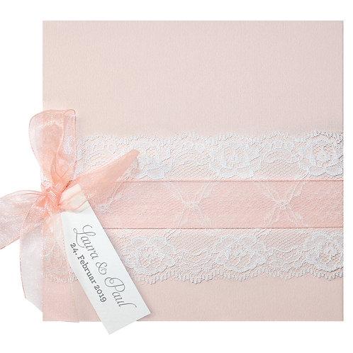 Romantische Hochzeitskarte in Lachsrosa mit Spitze – Belarto