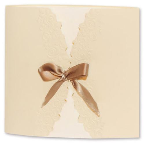 Hochzeitseinladung mit zierlicher Schleife – Fenzl