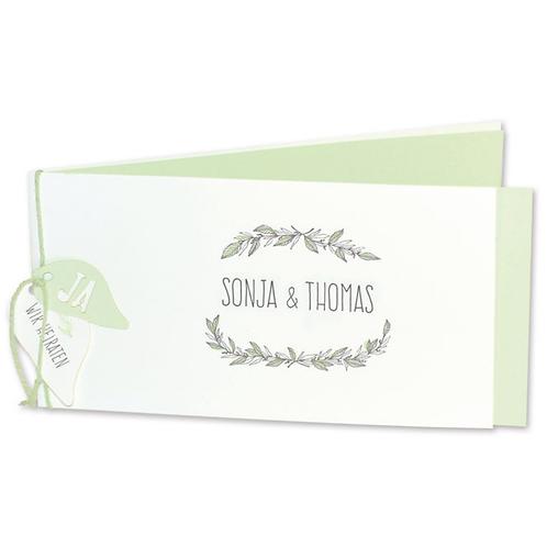 Hochzeitseinladung mit Blütendetails – Fenzl