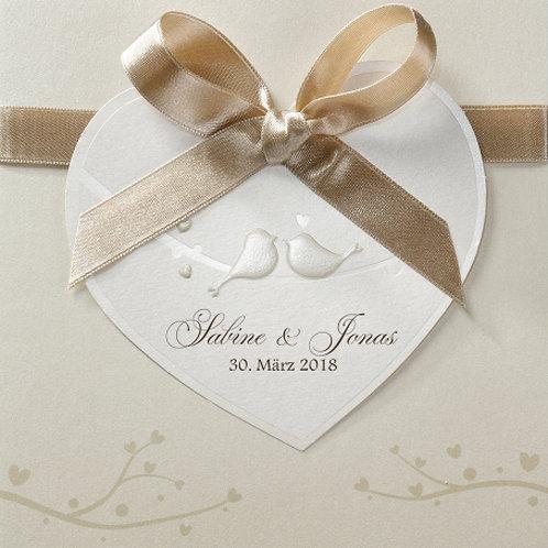 Liebliche Hochzeitseinladung mit großem Herzen – Belarto