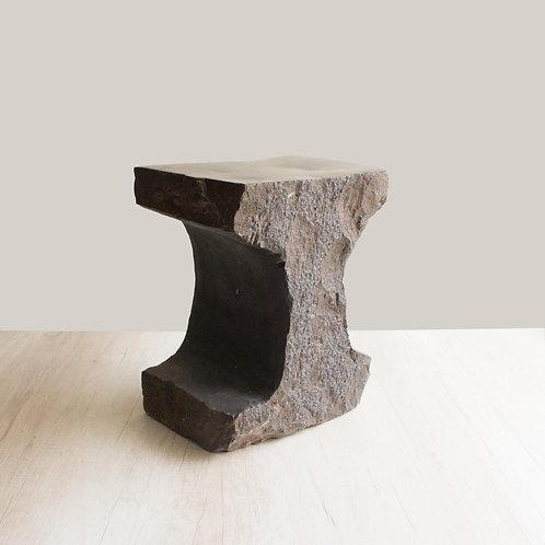 Mesa lateral de piedra