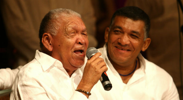 Leandro, con Ivo Luis Díaz, su hijo. Imagen tomada de Internet.