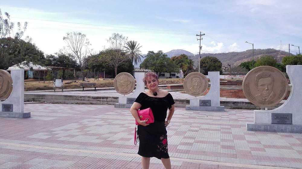 Marina Quintero Quintero en el Parque de los compositores de Patillal. Foto Mariaruth Mosquera