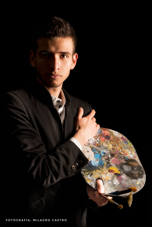 Ricardo Viloria Fajardo es un artista integral, que no sólo es tenor de la Filarmónica de Bogotá, sino que es un artista plástico al que se le han abierto las puertas del arte norteamericano. Foto: Milagro Castro.