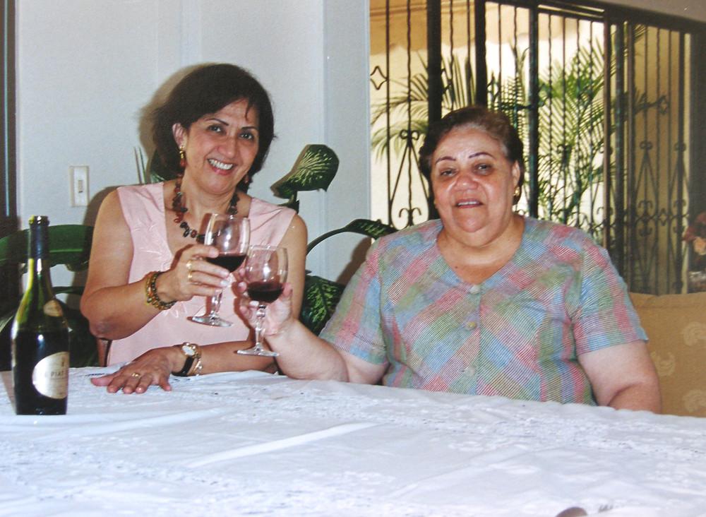 Consuelo Araujonoguera y La Polla Monsalvo. Imagen de archivo del Festival de la Leyenda Vallenata.