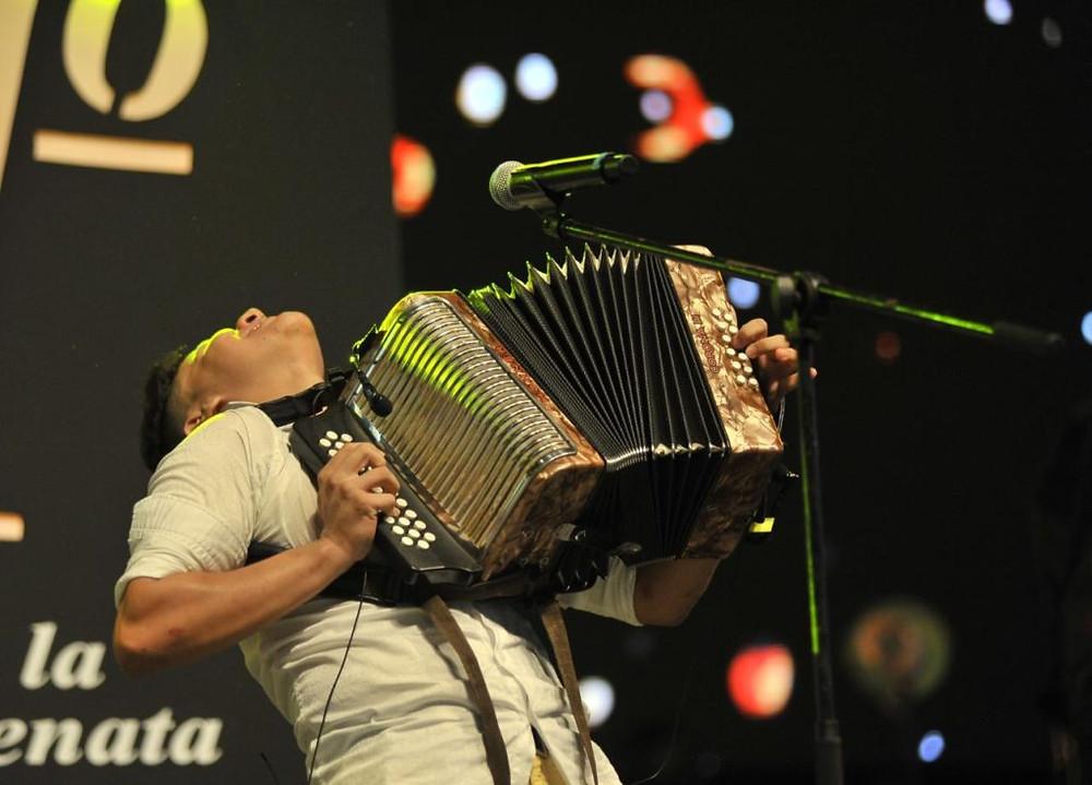 El concurso de Acordeón Profesional es el principal del certamen, por lo que obtiene la premiación más alta. Imagen Festival de la Leyenda Vallenata.