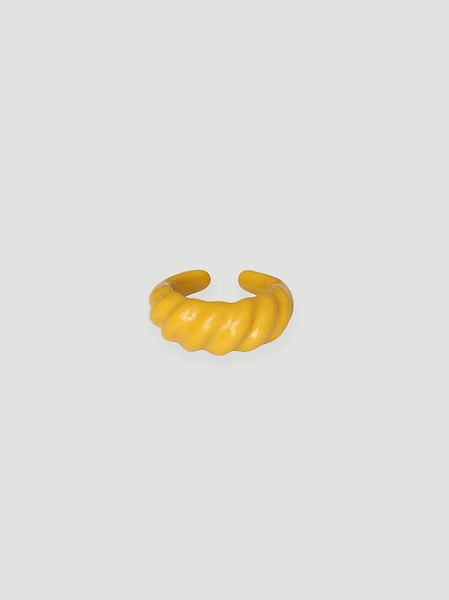 MON CHER MOI Croissant Ring in Butter