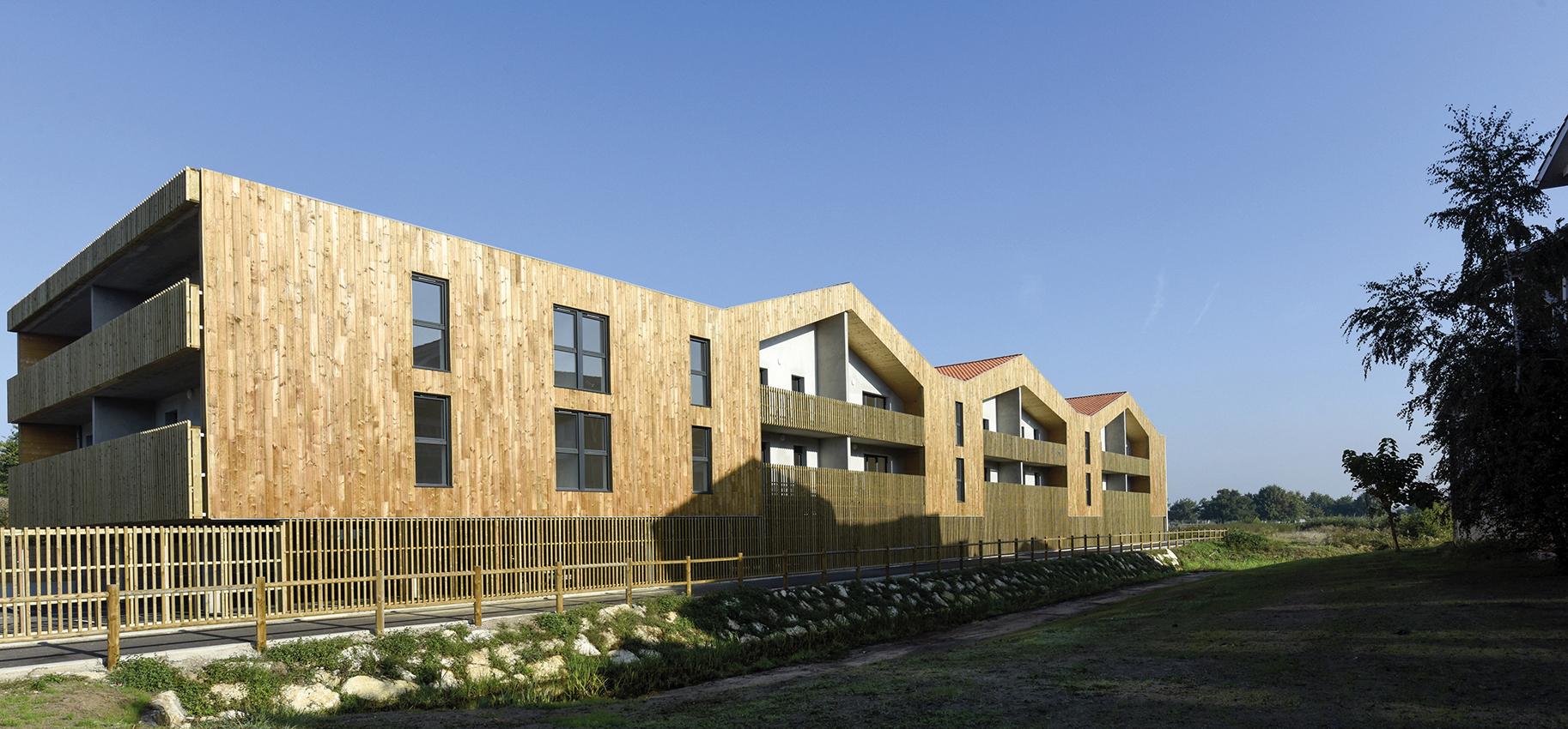Logements sociaux avec vue imprenable sur le port,  Le Teich