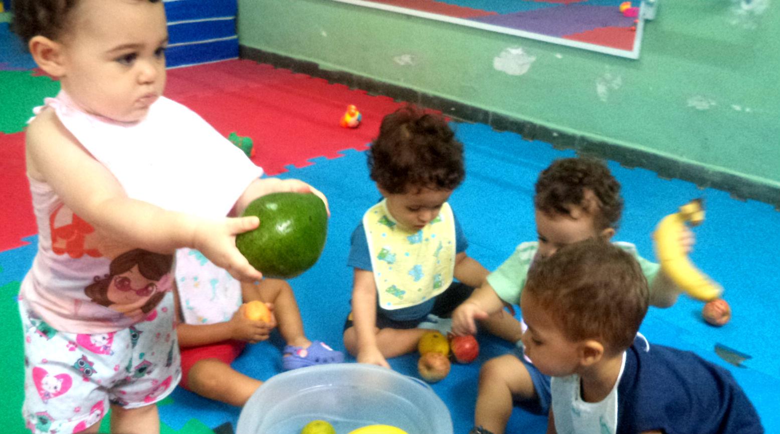 Experimentando as frutas 2
