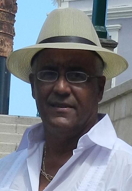 Angel Mercado (Artesano) Tallador Reyes y Quijotes, Madera (1)