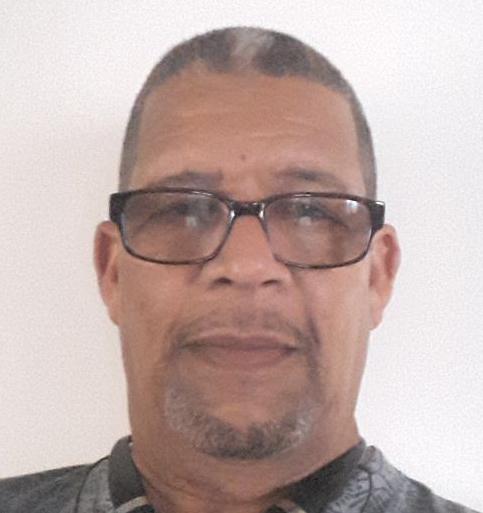 Federico Figueroa (Artesano Madera)