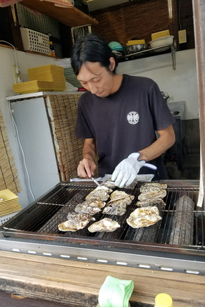 Tiny oyster stall