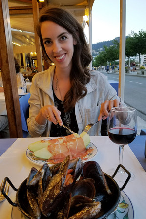 One of the best dinners of the trip: mussels and melon with jamón to start