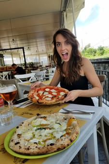 Actually, first we stopped in Napoli for pizza. We had high expectations since pizza was invented here and all, but let me tell you: it was AMAZING. Note the zucchini blossoms.