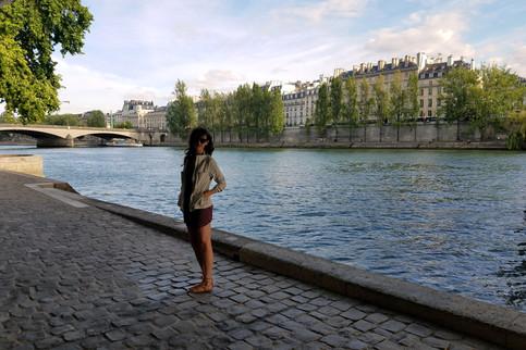Walking along the Seine again