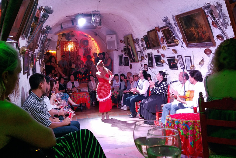 Inside the cave with the flamenco dancers
