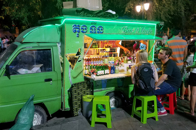 A tiny truck bar, where we met this American couple.