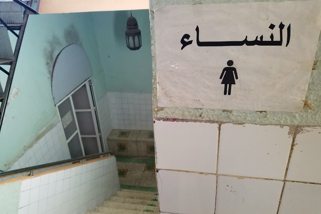 After we dropped our things to the riad, Coca took us to a local hammam. We split up and descended into the baths for two very different and confusing experiences.