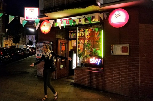 After dinner, we wandered around and found this local dive bar.