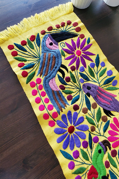 Table Runner woven in backstrap loom, fabric color Yellow with Toucans.