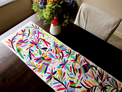 Otomi multicolor, Otomi table runner, Mexican multicolor embroidery, Otomi textile, Otomi fabric, mexican embroidery,